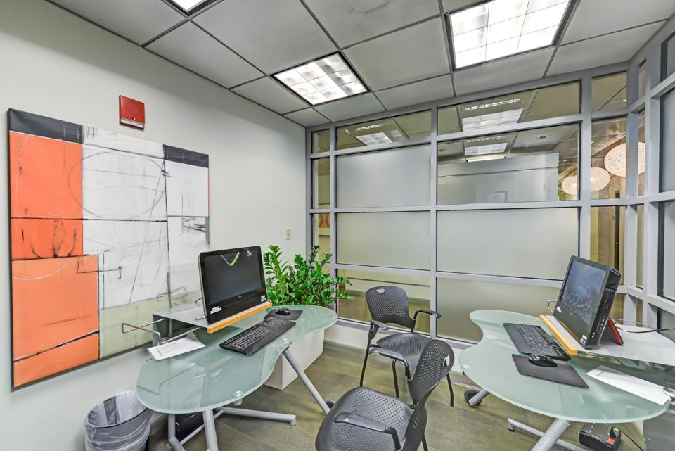 Radius business center