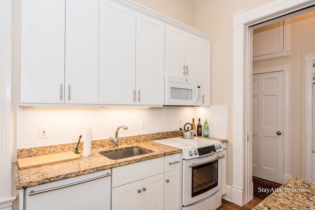 furnished 3 bedroom house in Capitol Hill