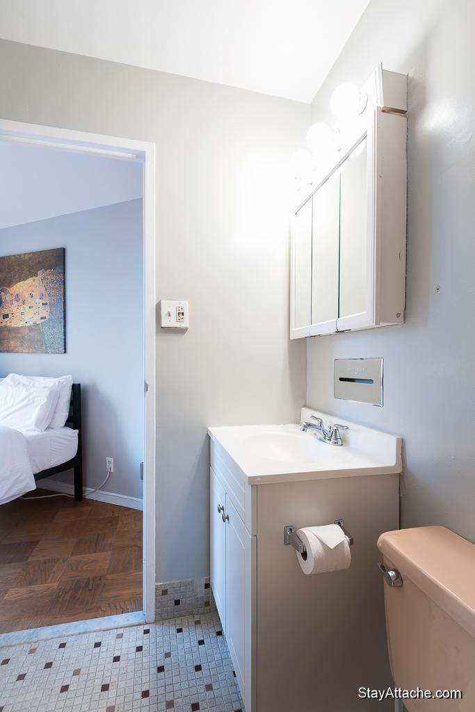 Furnished 1 bedroom in Dupont Circle - Bathroom