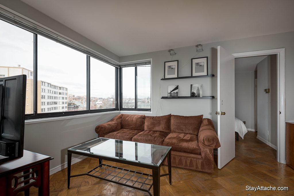 Furnished 1 bedroom in Dupont Circle - Living room