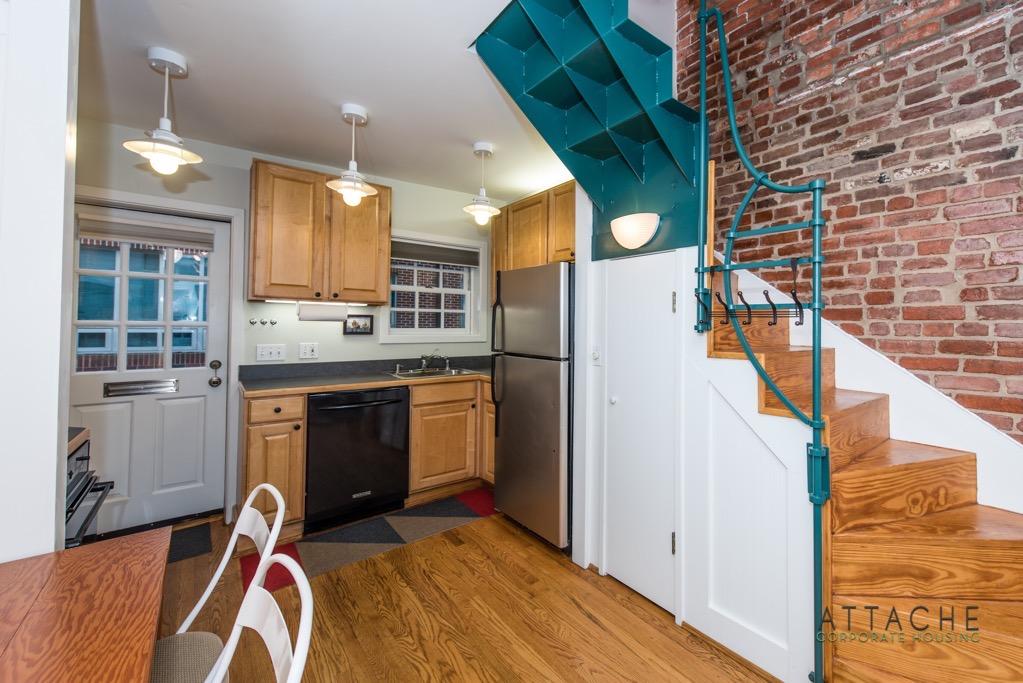 Corporate Housing Washington DC - Living room