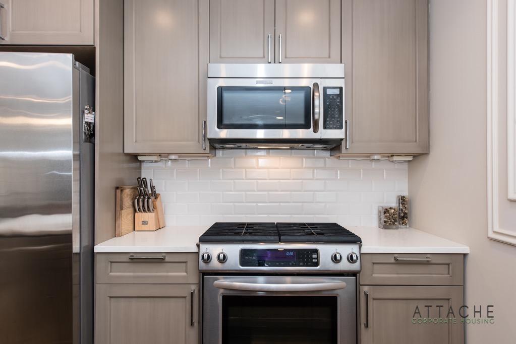 Furnished 2 bedroom - Kitchen