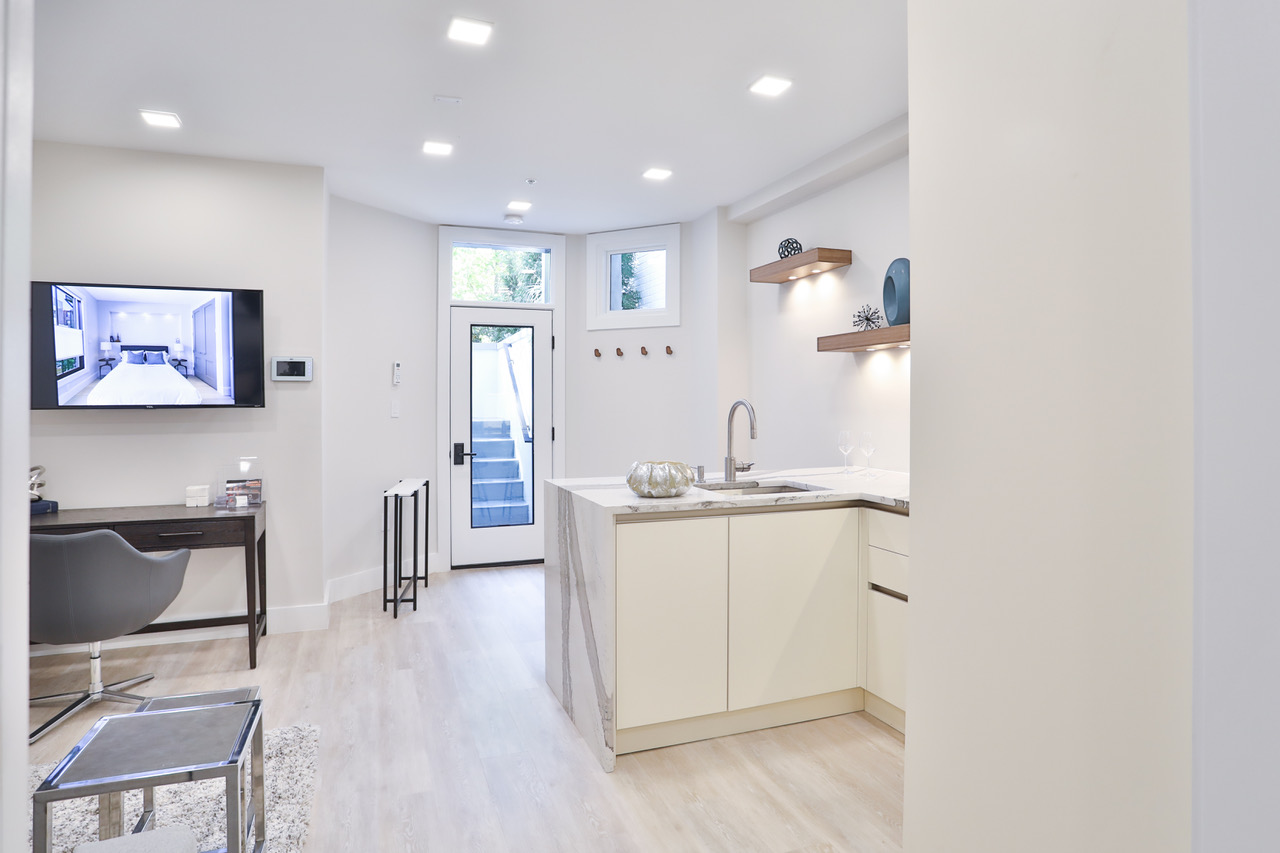 Furnished one bedroom in DuPont